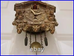 Antique 1937 Lux Animated Bobbing Bird Left No. 312 Cuckoo Style Pendulette Clock