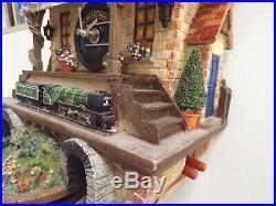 Bradford Exchange Flying Scotsman Train Conductor Cuckoo Clock Fully Working