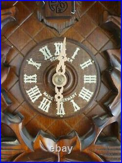 Cuckoo clock black forest 8day original german wood carving mechanical Clock