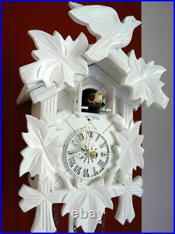Cuckoo clock black forest quartz german wood batterie clock handmade white new