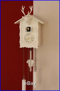Cuckoo clock black forest quartz german wood deer head batterie white 12 melodie