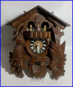 Cuendet Cuckoo Clock Black Forest German Wood Hunter Carved 7707-13