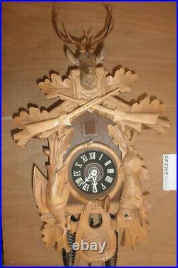 German Black Forest hunter Schmeckenbecher Linden Wood 8 Day Cuckoo Clock CK2709