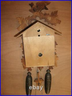German Black Forest made NIGHT SHUT OFF Linden Wood 8 Day Cuckoo Clock CK2654
