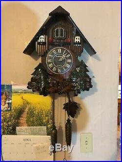Gorgeous Large Carved Wood Moving Bird Electronic Cuckoo Clock See VIDEO