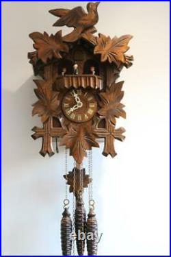 MODERN MUSICAL CUCKOO CLOCK with DANCING PEOPLE CAROUSEL excellent condition
