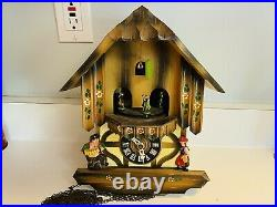 Old Vtg Linden Wood Chalet Music Dancers Mountain Cuckoo Clock W. Germany