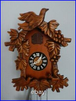 Small Carved Wood Cuckoo Wall Clock With Birds & Squirrel. New. Wooden