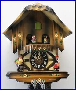 Very Nice German Black Forest Music Dancers Alpen Chalet Serenade Cuckoo Clock