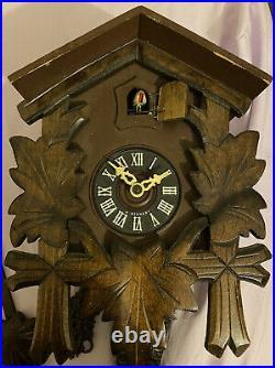 Vintage Antique Schmeckenbecher German Black Forest Wood Cuckoo Clock Regula 853