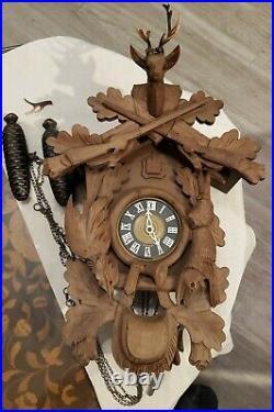 Vintage West Germany 8-Day Black Forrest Hunter's Cuckoo Clock Schmeckenbecher