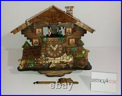 Wooden battery-powered cuckoo German / Dutch clock with music and animation